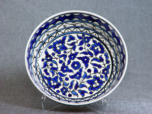 Blue and white deep bowl
